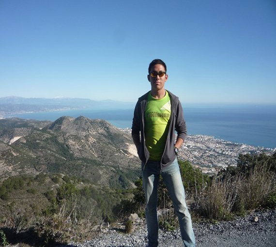 Day-trek-in-the-mountains-of-Southern-Spain-with-great-views-of-the-the-Coastal-Towns-of-Spain-the-Mediterranean-and-of-Africa1