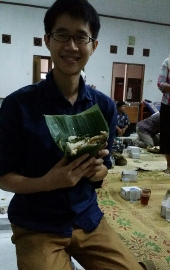 I had the honour of receiving the offering from the village chief during the dinner ritual.